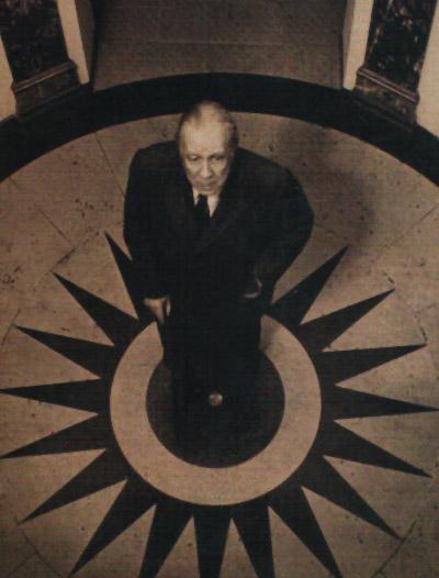 Foto do escritor Jorge Luis Borges no Hôtel des Beaux Arts onde morreu Oscar Wilde